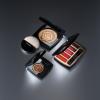 Maximalisme de Chanel выпустила новую линейку рождественских оттенков макияжа