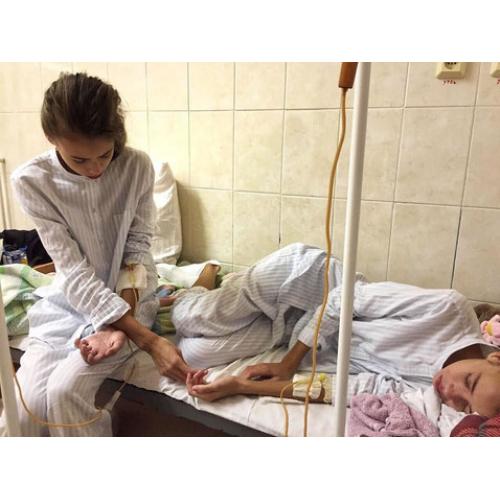Покорение модельного бизнеса закончилось для близняшек из Липецкой области анорексией